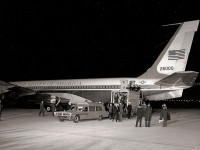 Air Force One - Jackie and Bobby Kennedy getting off the plane